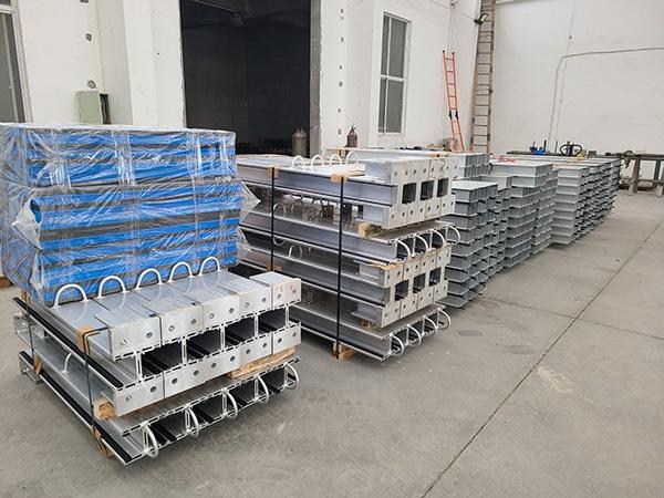 NEWFLAG Packing of Perimeter Flood Barrier 01